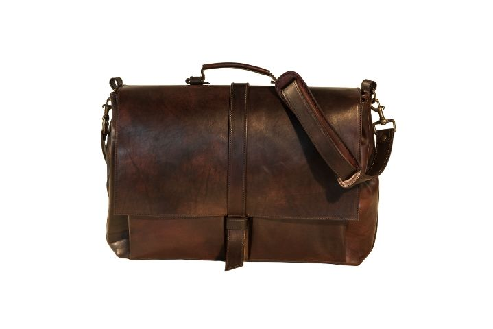 Duffle bag in brown leather