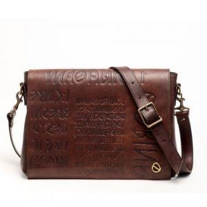 Bag in antiqued brown leather