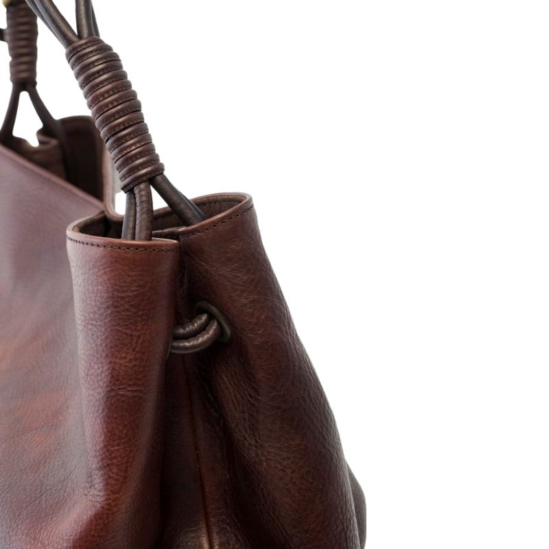 Dettaglio borsa in pelle giovanna